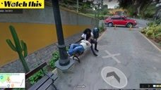 丈夫用谷歌地图计划线路  无意间发现街景拍下妻
