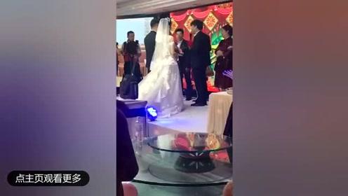 婚礼糗事合集:原来新郎都是那么逗
