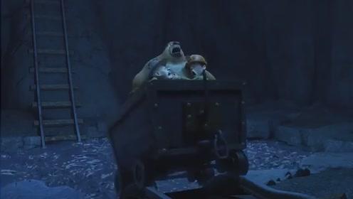 搞笑动画熊出没:光头强拉了半天门都没开,原