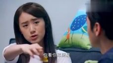 小伙偷吃姑娘零食,谁知姑娘直接拿把锁把冰箱给锁了,太搞笑了
