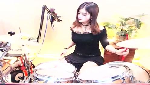 小姐姐演奏音乐