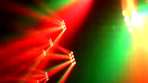 灵跃8颗四合一全彩摇头LED酒吧灯光