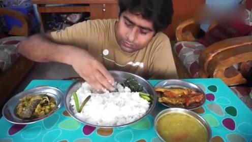 印度美食:手抓饭!看这饭菜的分量就不愧是开挂民族,厉害!