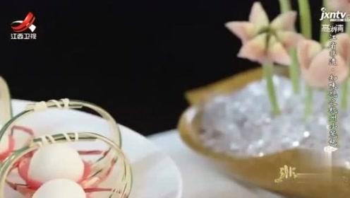 杭州的小笼包很有特殊,面皮的比例有讲究,味道却一样的鲜美