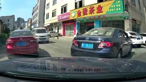 行车记录仪:无语的操作!求视频车司机心理阴影面积