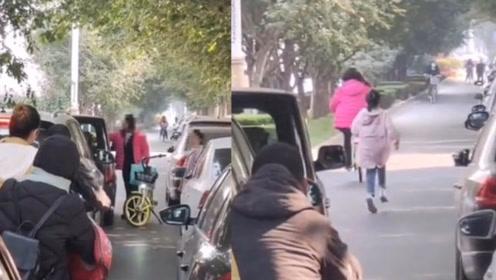 女子带娃堵车与私家车吵架,一番争执后,接下来一幕令人心惊……