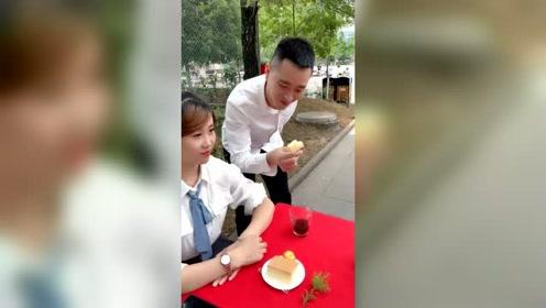搞笑视频:这嘴巴真香!笑死了!