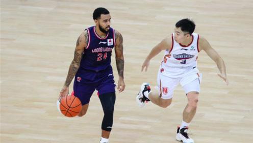 CBA精彩集锦:摩尔37分广州送同曦8连败,万圣伟15+8