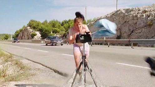 剪视频的时候忍不住笑了!#的士速递5 #影视剪辑 #我要上热门