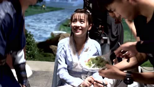 BTS: Xiyue is happy, chewing on tools|Twisted Fate of Love