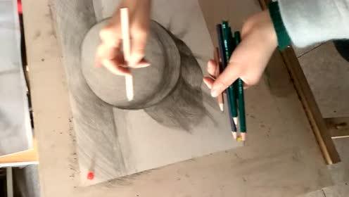 如何画素描圆球体