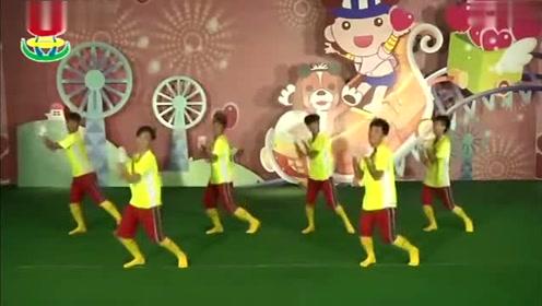 文老师最火幼儿园早操视频《快乐体操》