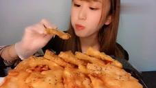 小姐姐声控吃播,芥末配上锅包肉,好吃到爆!