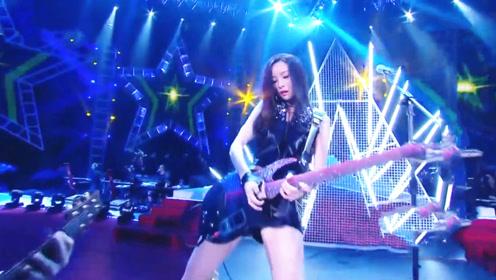 """会玩电吉他的都是女神?于文文现场版摇滚""""太狂野"""""""