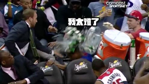 NBA轻松时刻:为救球球星飞向观众席,球迷直接被撞懵!