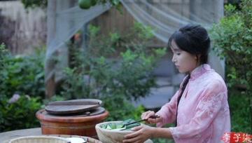 摘了些黄瓜,做点夏日小吃食