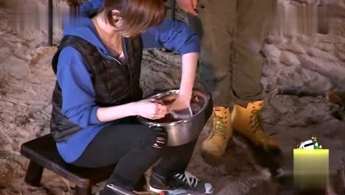 姜妍的厨艺太精湛了,汪涵都甘愿打下手