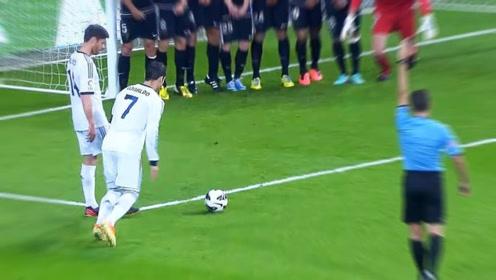 C罗足球比赛中的罕见精彩进球,过人进球太轻松,左右开弓无逆足