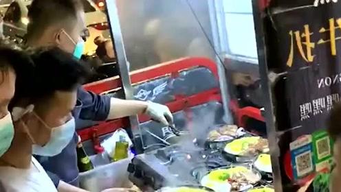美食:砂锅牛排味道如何?看看排的长队就明白啦!