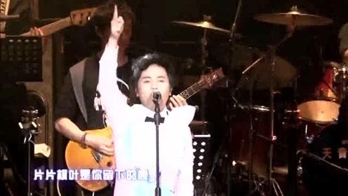 郑源一首伤感情歌《等》歌词句句扎心,唱哭多少相恋却不能相守的人!