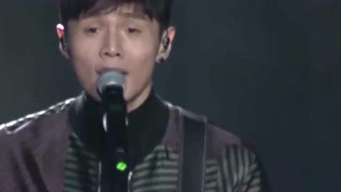 李荣浩懵了,自己现场改编的烫嘴版麻雀,怎么就登顶音乐榜单了?