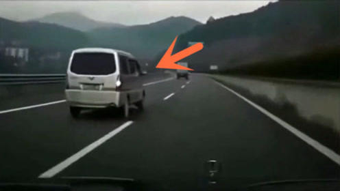"""这才是真正的""""五菱神车"""",要不是视频,谁会相信这一切"""