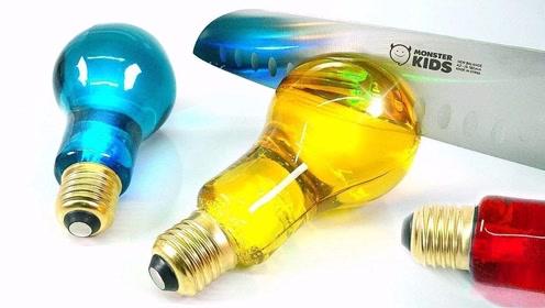 """用""""灯泡""""做果冻,简直是小学生的最爱,10元一个排队也要买!"""