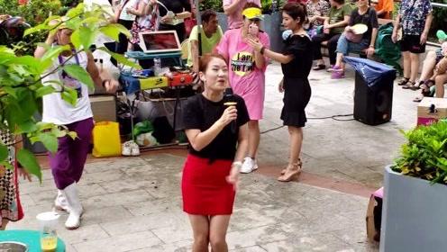 实拍屯门三公主妙妙演唱《老鼠爱大米》真漂亮