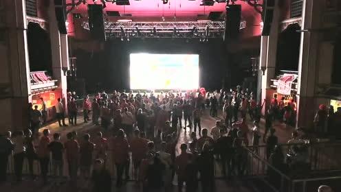 【直击】球员歌曲大放送!利物浦球迷集会高歌不停歇