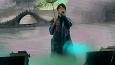 明日之子全国巡演杭州站 毛不易演绎《新白娘子传奇》主题曲