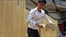 农村小伙用120斤小麦做了90斤面条花60元,赚了还是亏了?