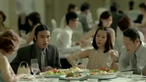 泰国搞笑广告:婚礼的主婚人应该怎么当