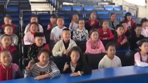 90后乡村音乐老师组建合唱班,开口三秒就被惊艳到!