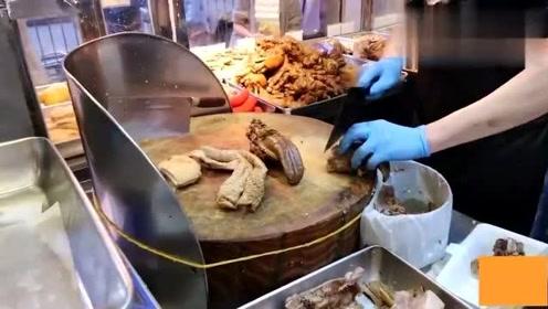 香港美食:看香港师傅单刀快斩猪舌头,剖肠刮油猪大肠,这一盘得多下酒呀!