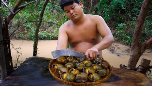 河里的田螺大又肥,抓几只切开炸香配酸辣椒,肉吃着真鲜