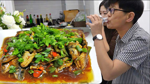九九北方买柳根鱼,一煎一炒肉嫩汁鲜,配上糖醋蒜米饭呼噜呼噜扒