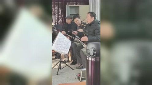 2021年1月3日曙光戏社娱乐视频《龙江颂》唱段演唱孙玉淑,操琴曲士国