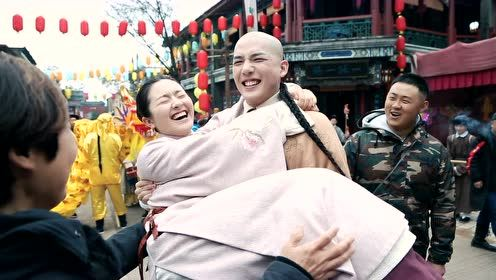 Behind the scenes: Wang Anyu princess carries Li Landi | Dreaming Back to the Qing Dynasty
