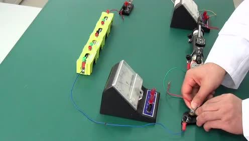 八年级物理上册第五章-电流和电路_实验测量小灯泡的电功率
