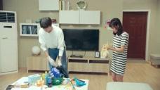 女孩和高冷帅哥合作打扫卫生,已经决定好两个人以后家庭地位