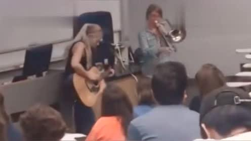 国外的高中音乐课都是实战课