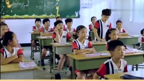 搞笑视频:现在的学生真是太有才了,笑我肚子都疼了