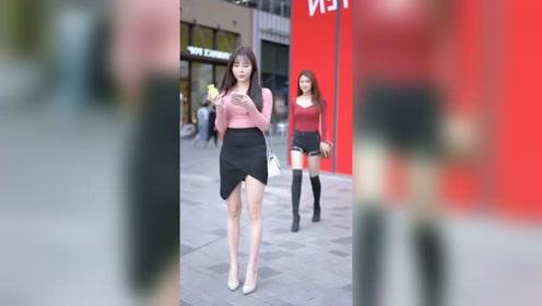 前方12点钟方向,有两个小姐姐,你更喜欢谁#街