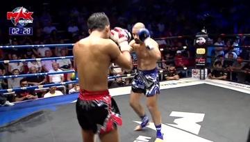 这场泰拳比赛为我们展示擒拿对手后该怎么KO,其实不难,一眼炮就解决了!