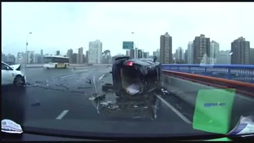 行车记录仪:拍下大桥严重车祸,把视频车吓得口齿不清