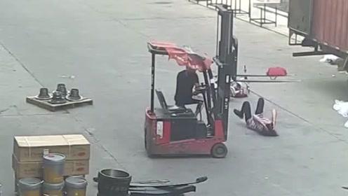 看看叉车到底有多危险?看完这些事故视频集锦,浑身冒冷汗