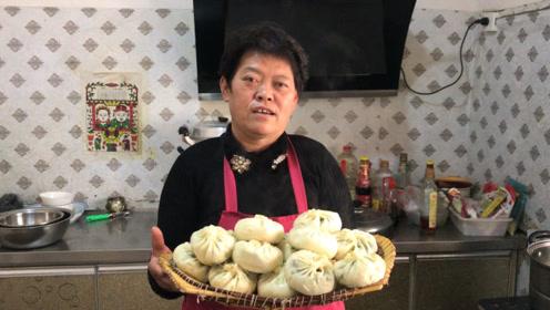 城里人扔掉的萝卜叶,农村大妈却用它做美食?一人五个都不够吃
