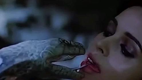 蛇蛋被无情踩碎美女和蛇王合体开始疯狂复仇