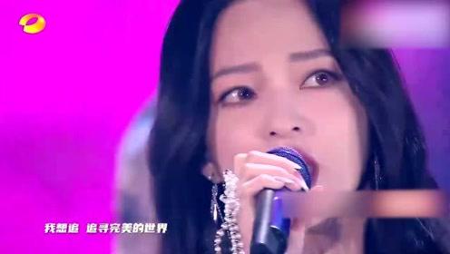 这才是张韶涵的成名曲!不愧是实力派歌手赤裸裸的开口跪,全程高能炸裂全场