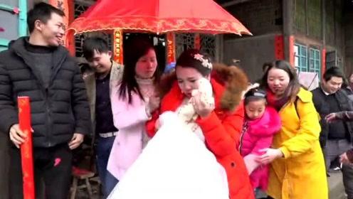 农村一姑娘怀着身孕,哭着出嫁,这场景配这音乐好感人